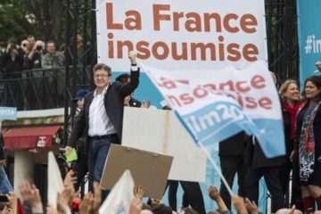 Actualmente la fiscalía de París lleva a cabo dos investigaciones contra la bancada de izquierda por contratación ilegal y origen de fondos