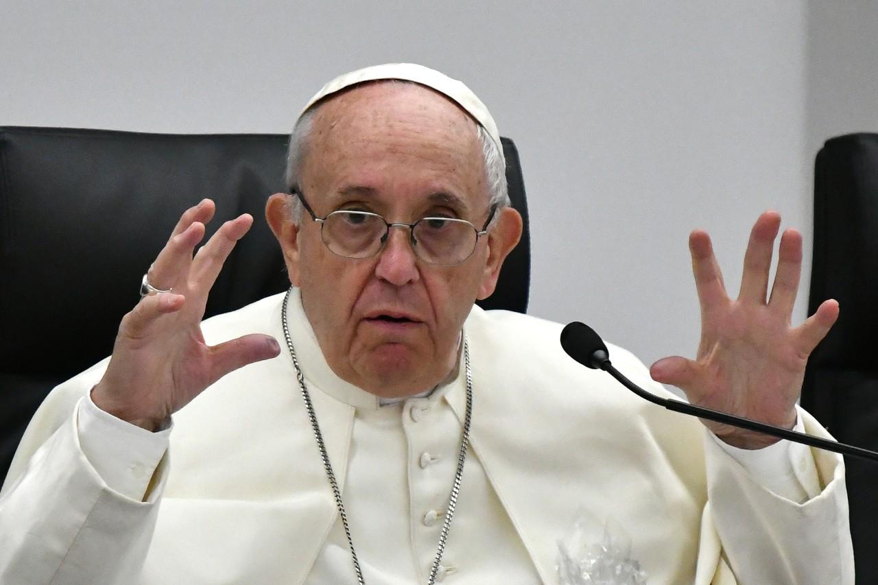 """El papa advirtió sobre el """"populismo"""" y puso a Hitler de ejemplo"""
