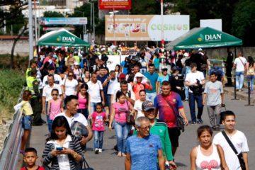Abren centro médico para venezolanos en frontera colombiana