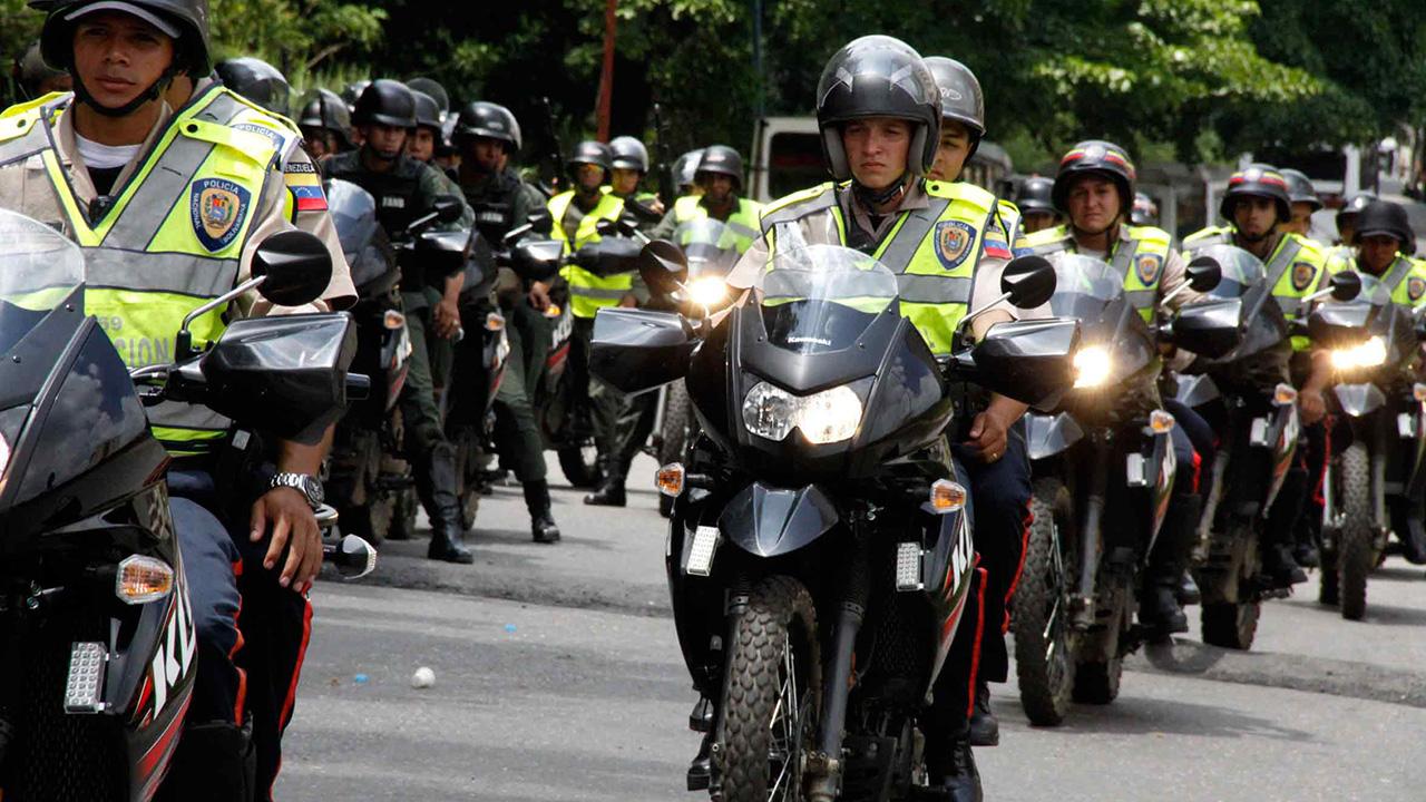 DOBLE LLAVE - Varios cuerpos policiales se integran para la protección de la parroquia Tres de Febrero
