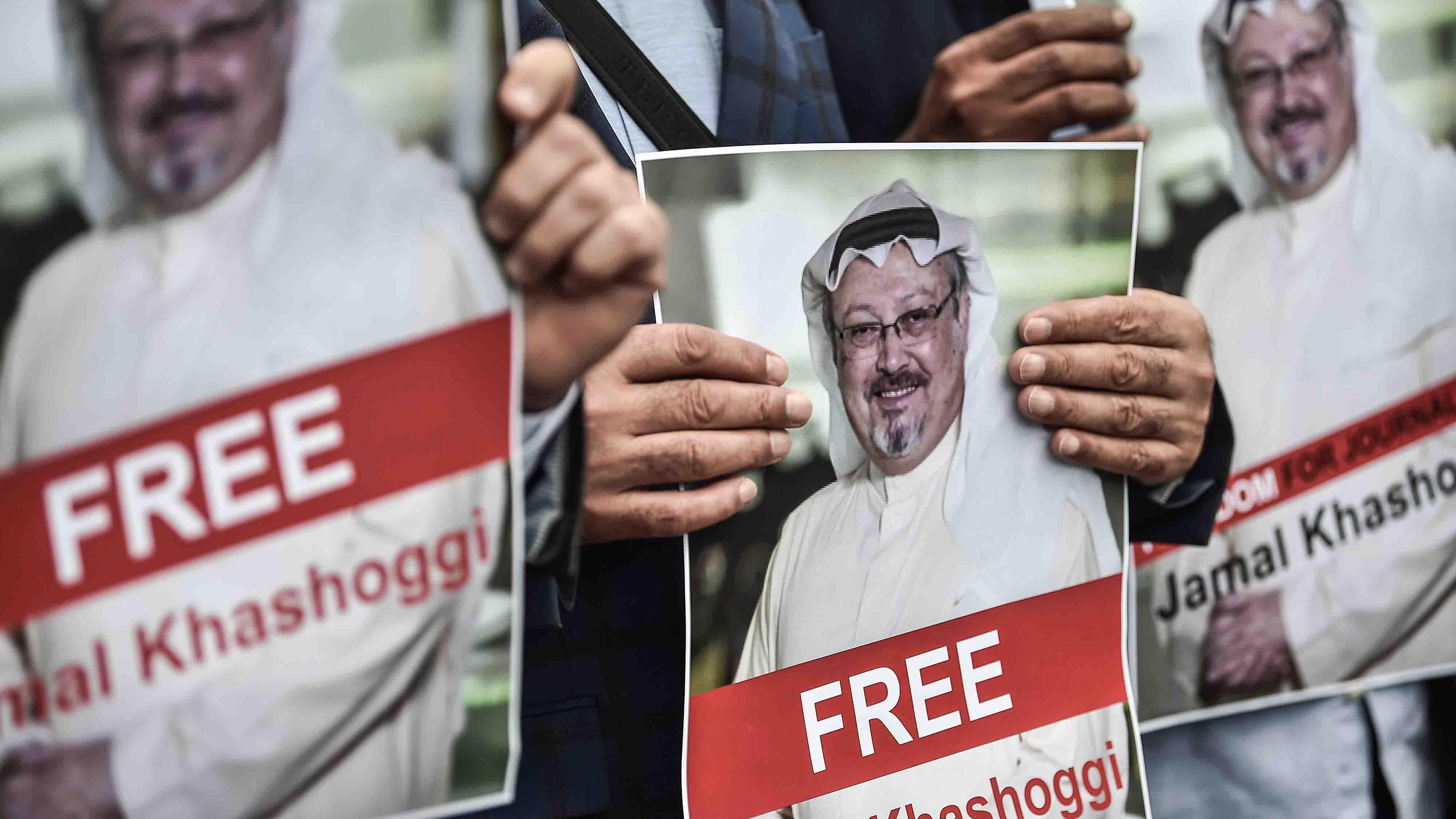 """Trumpespeculó que """"asesinos sin escrúpulos"""" podrían estar tras la desaparición del periodista saudita. Envió a Mike Pompeo a investigar el caso"""
