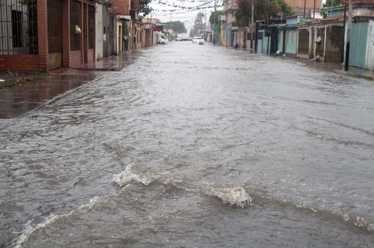 Bebé de siete meses fallece tras fuertes lluvias en Miranda