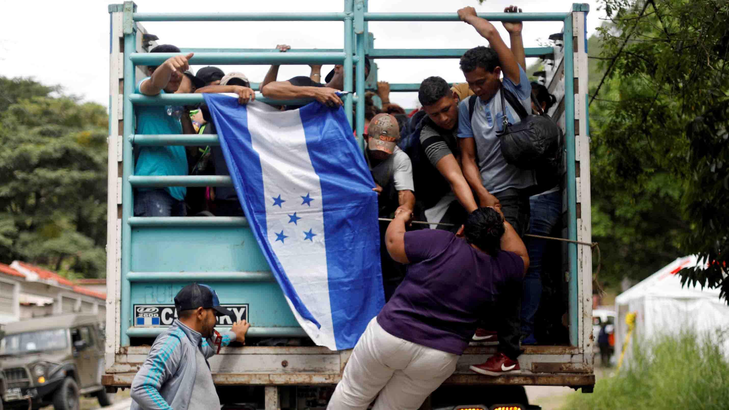 La agencia para los refugiados exhortó a los países por los que atraviesa la caravana de migrantes hondureños a brindarles ayuda