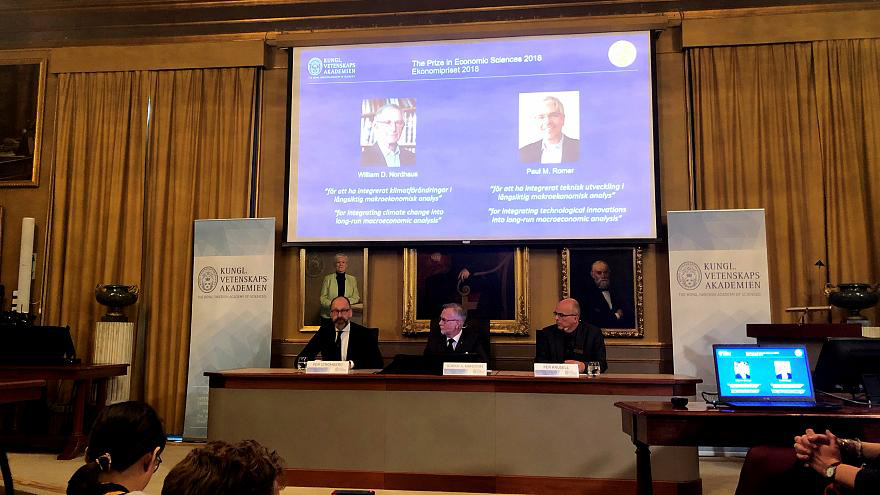 William D. Nordhaus y Paul M. Romer fueron galardonados por un nuevo análisis macroeconómico que integra economía y clima