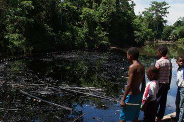 Emergencia ambiental en Colombia por atentado contra oleoducto