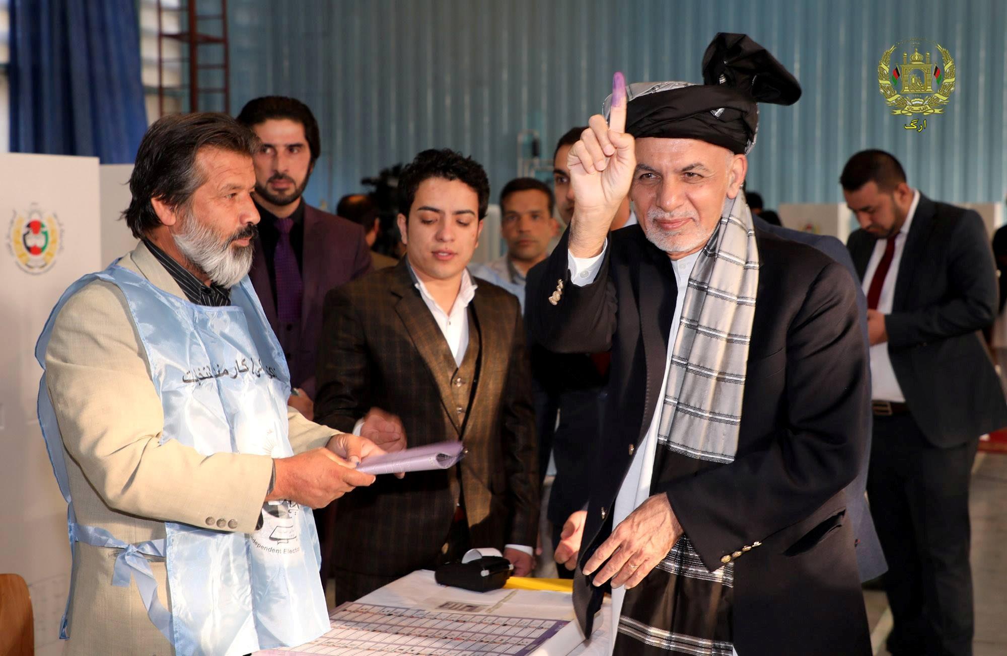 EE.UU. quiere postergar elecciones presidenciales en Afganistán