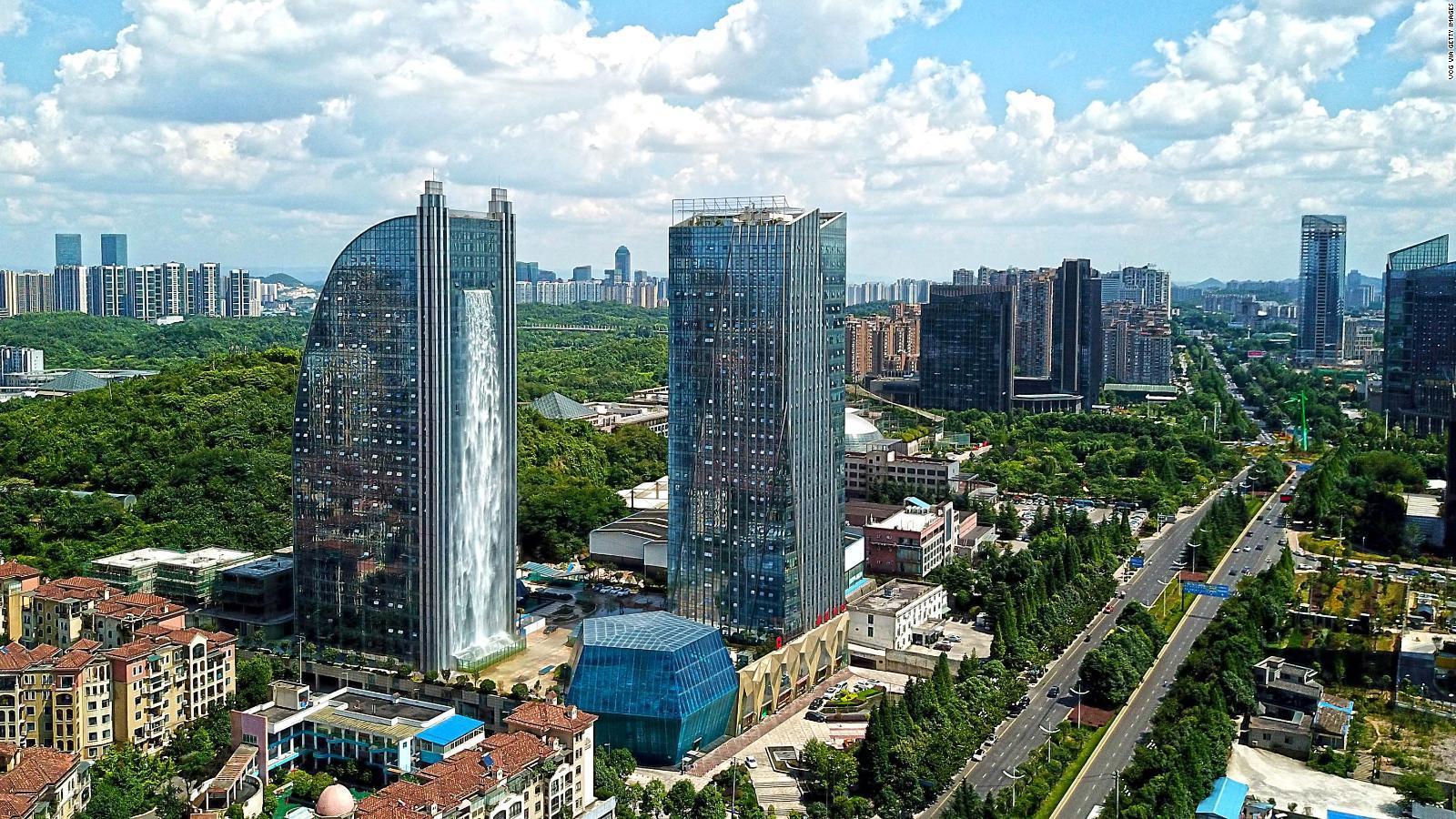 """China amplía veto a """"basura extranjera"""" y prohíbe 32 tipos de desechos"""