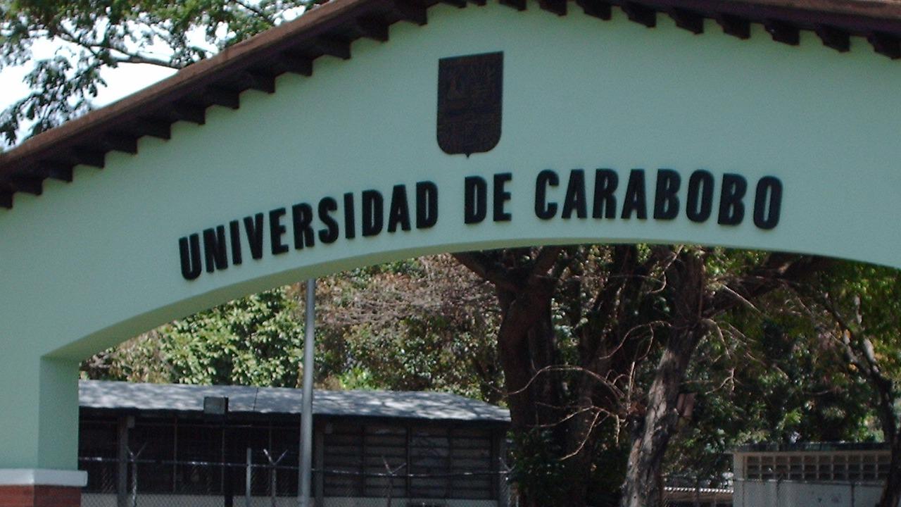 Estudiantes responsabilizan al gobernador de la entidad, Rafael Lacava, por los hechos vandálicos