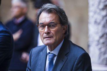 Exlíder catalán Artur Mas, condenado por consulta ilegal de 2014