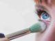 Especialistas señalan que usar artículos de belleza de otra persona aumenta el riesgo de contaminarse de virus y bacterias