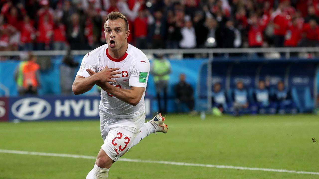 En el Mundial, el jugador causó polémica por aludir al águila bicéfala albanesa frente a los hinchas serbios