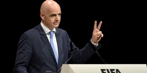 El presidente del ente rector del fútbol mundial defendió su gestión descartando ser cómplice de corrupción