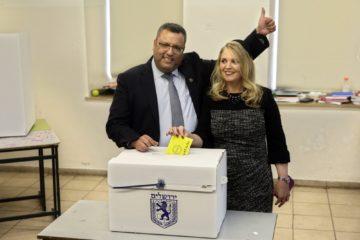 El candidato electo obtuvo el 51,5 % de los votos, mientras que su rival, Ofer Berkowitz, obtuvo el 48,5 % de los respaldos