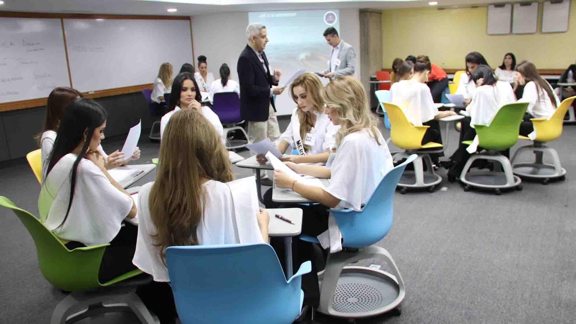 De la mano de profesores de la institución y de emprendedoras venezolanas, las misses conocieron de liderazgo y habilidades para el progreso