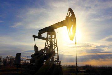 Para tratar de contener un superávit global, se espera que la OPEP acuerde disminuir la producción en su próxima reunión oficial el 6 de diciembre