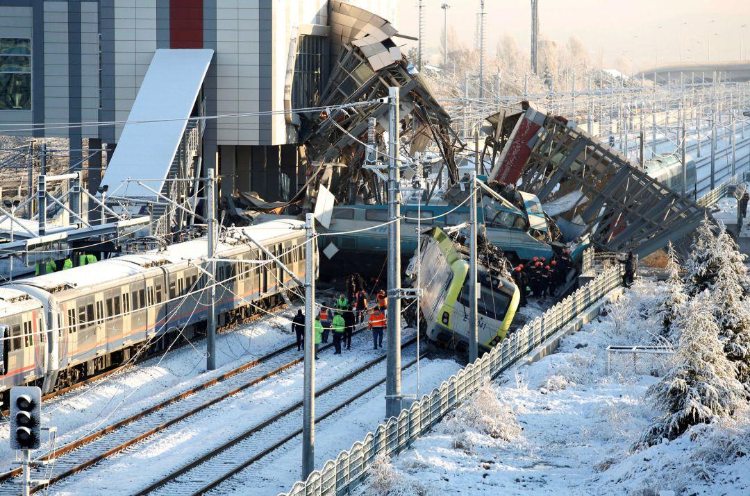 Accidente de tren en Turquía dejó nueve muertos y 47 heridos
