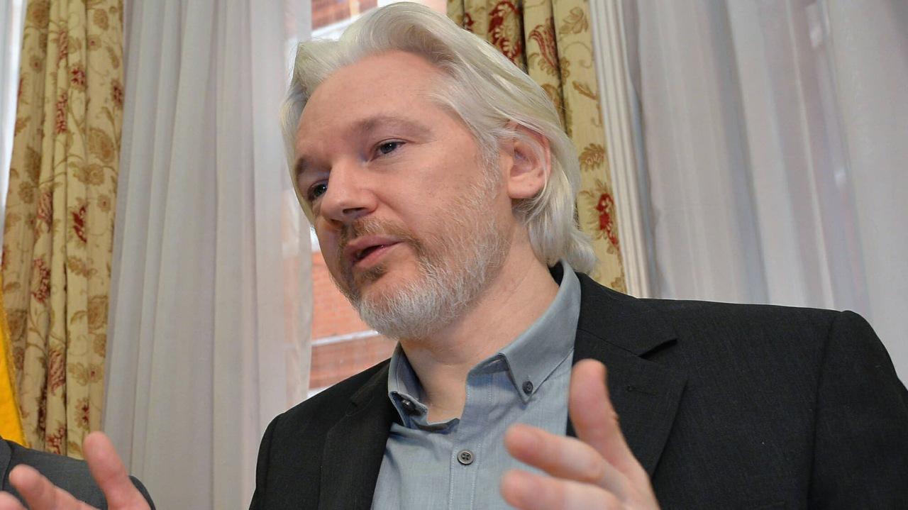 Abogado niega que Julian Assange tenga garantías para abandonar Londres