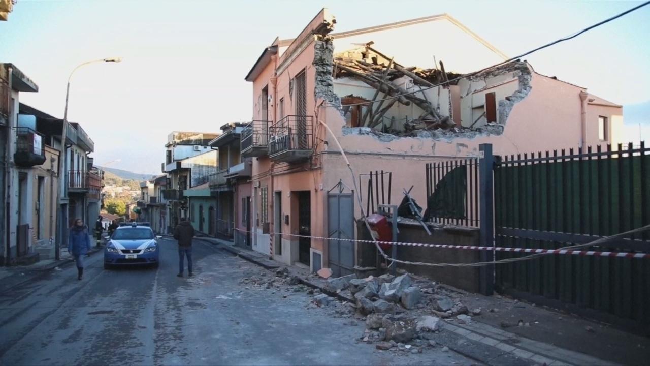 Sicilia en alerta por decenas de réplicas tras terremoto de 4.8
