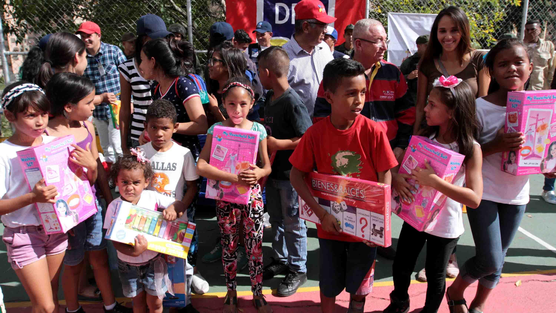 Las entregas fueron realizadas a los niños provenientes de las zonas más vulnerables del país