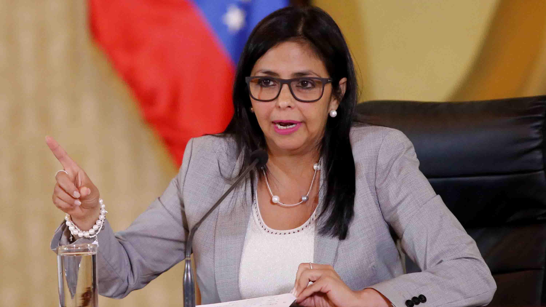 """Delcy Rodríguez pidió a los gobernadores y alcaldes a """"desarrollar la creatividad"""" para vencer el supuesto bloqueo económico"""