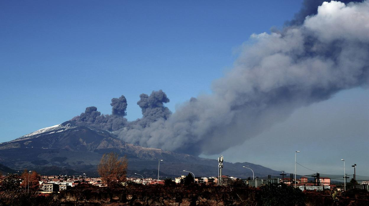 Un terremoto en la falda del Etna dejo más de 10 heridos y daños en Catania