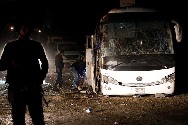 Explosión de una bomba al paso de un autobús en Giza dejó tres muertos