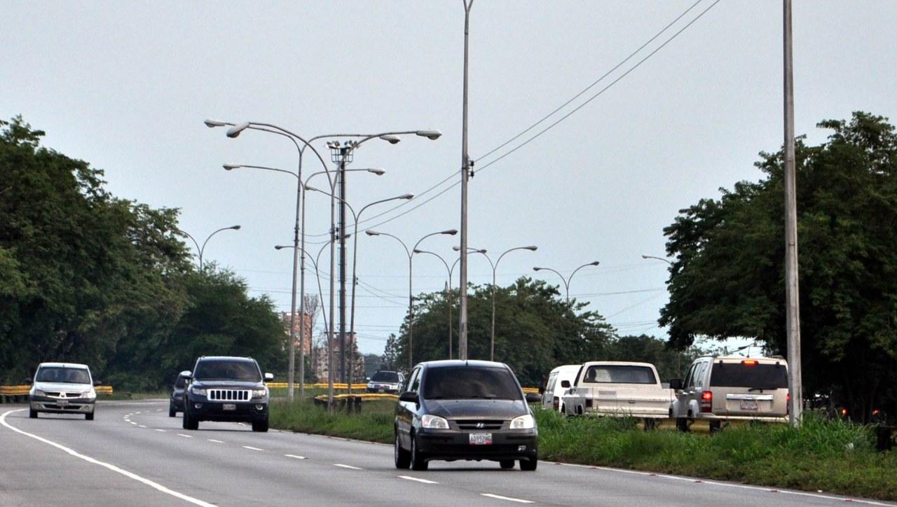 Dos heridos dejó accidente vial en la autopista del Este en Carabobo