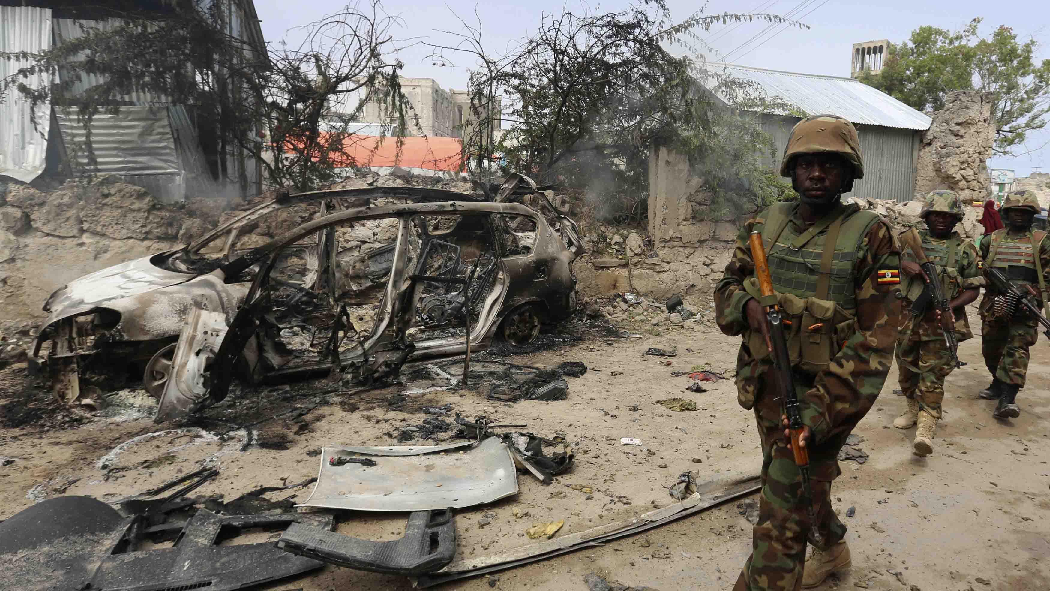 De acuerdo a las fuentes locales, el grupo insurgente Al Shabaab se responsabilizó de ambas explosiones