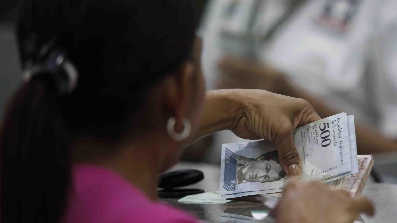 La inflación de noviembre se ubicó en 144,2 %, de acuerdo a las estadísticas del Parlamento venezolano