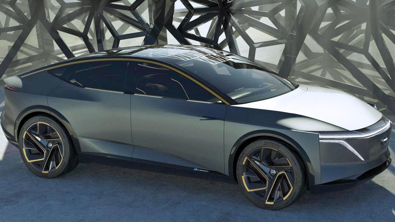 El innovador automóvil posee un diseño sobrio y futurista similar a una nave espacial