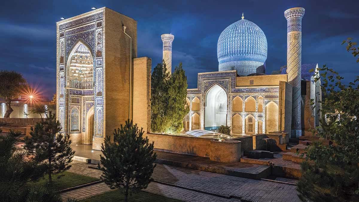 """El presidente uzbeko indicó que las restricciones implicaban una violación del """"derecho a la vida privada"""""""