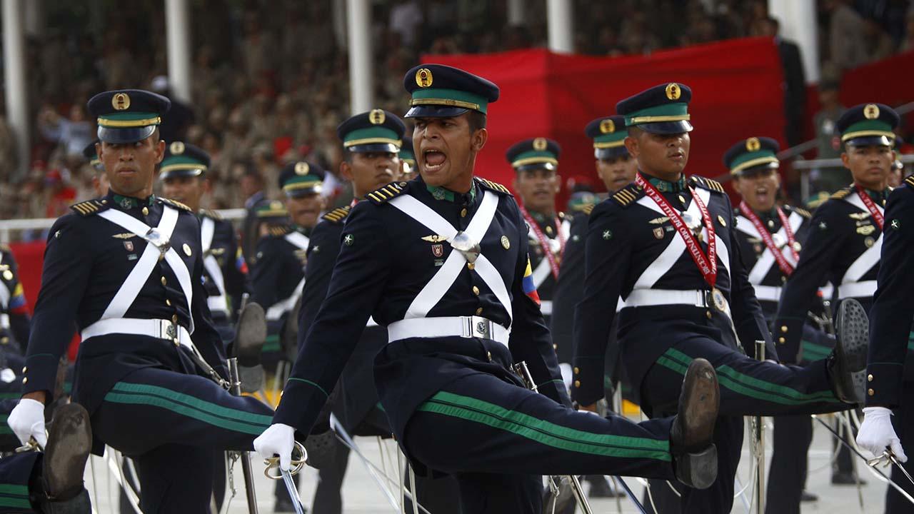 El general Francisco Esteban Yánez Rodríguez exhortó a sus compañeros a desconocer el mandato de Nicolás Maduro