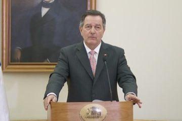 """Según señaló el ministro de Relaciones Exteriores, Roberto Ampuero, su país """"no está disponible para otro tipo de alternativa"""""""