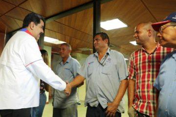 El presidente realizó la visita para supervisar que todo se mantuviera en orden tras el apagón ocurrido en el país