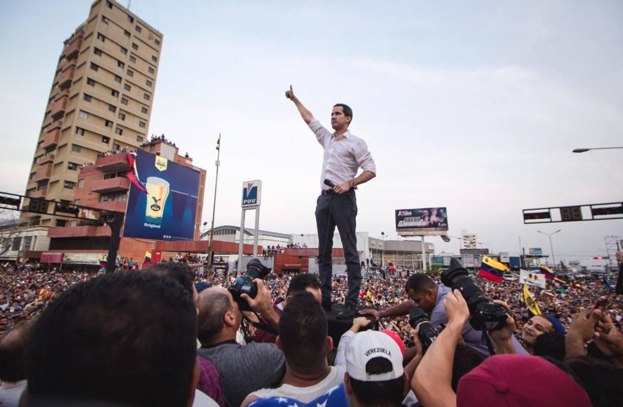 """Guaidó en el Zulia: """"No vamos a hacer maletas, vamos a hacer país"""""""