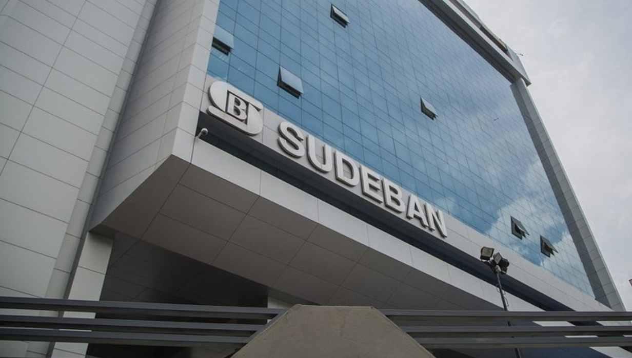 Sudeban ordenó a los bancos a reducir la jornada de atención