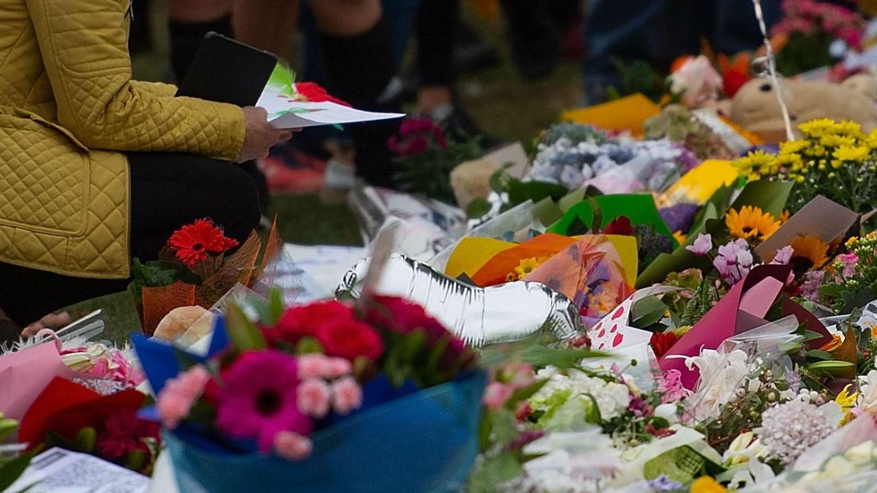 DOBLE LLAVE - Las autoridades locales destacaron que aún se están considerando otros cargos para atribuir al acusado australiano de 28 años que atacó las mezquitas