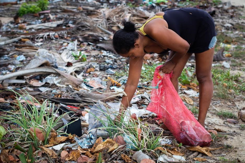 La actividad se desarrolló para celebrar el Día del Medio Ambiente y Día de Los Océanos por medio de positivas tareas
