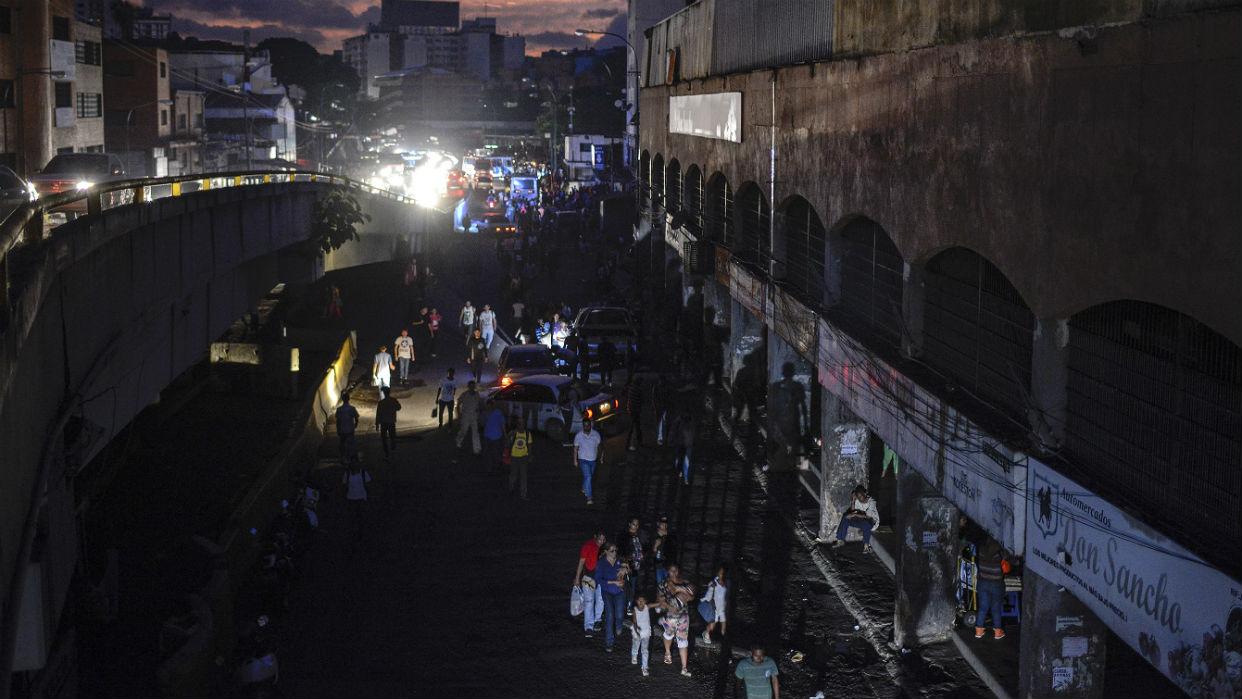 Información de Sucesos en Doble Llave - Nuevo apagón eléctrico paralizó este 22-J a Venezuela