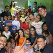 FY sumó apoyo a la Fundación Amigos del Niño con Cáncer y fomentó sonrisas