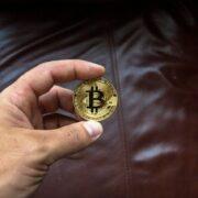 Foro BritCham: Actualmente la inversión en criptomonedas se está masificando