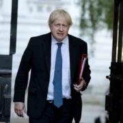 Boris Johnson permanece en unidad de cuidados intensivos por coronavirus