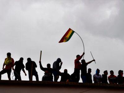 Motín en cárcel de Bolivia se produce por posibles contagios de Covid-19