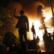 Un muerto en Indianapolis por disparos durante las protestas raciales