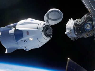La Cápsula de SpaceX llegó a la EEI tras 19 horas de Vuelo