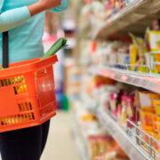 Salario integral no alcanza para adquirir los productos regulados