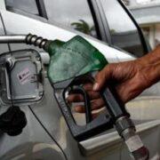 Expertos advierten que precio de la gasolina genera distorsiones en el mercado