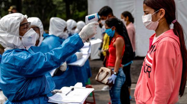 Al menos 350 venezolanos ingresan diariamente al país