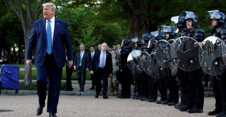 Trump anuncia decreto para incentivar buenas prácticas en la Policía