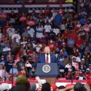 """Trump resaltó su liderazgo frente a """"la violencia radical"""""""